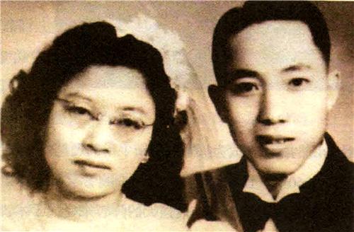 图2:吴孟超夫妇结婚照.jpg