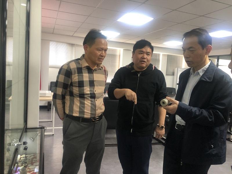 5:调研华清电子科技公司.jpg