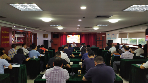 翁小杰宣讲了习近平总书记在中央人才工作会议上的重要讲话精神.jpg